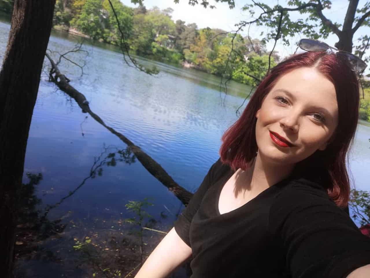 Blitzlichtfoto: Sophia Kräge - Social Media Redakteurin und Projektassistentin